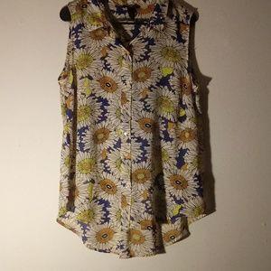 Sleeveless flower blouse